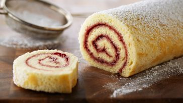 bake_1012_classic-raspberry-jelly-roll
